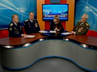 Гости студии: Валентин Сонин, Олег Сторожук, Евгений Чуносов