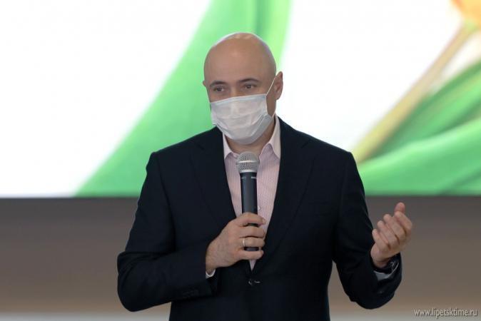 Игорь Артамонов поздравил активисток Союза женщин России с 30-летием организации (видеосюжет)