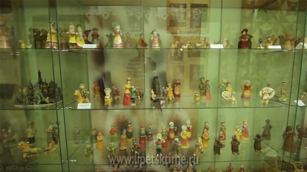 Романовская игрушка инародные костюмы изЛипецка покорили Рим