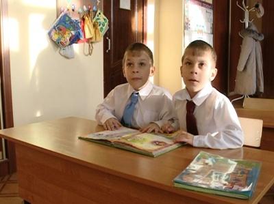 Кирилл и Даниил Б., 7 лет. Эфир от 28 декабря 2012 года